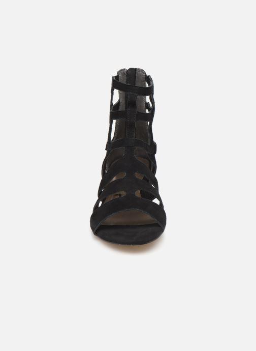 Sandales et nu-pieds Tamaris 28259 Noir vue portées chaussures