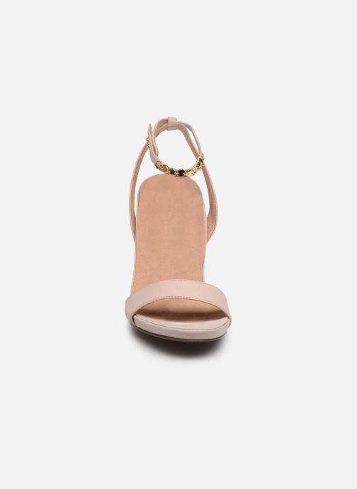 Sandales et nu-pieds Tamaris 28306 Beige vue portées chaussures