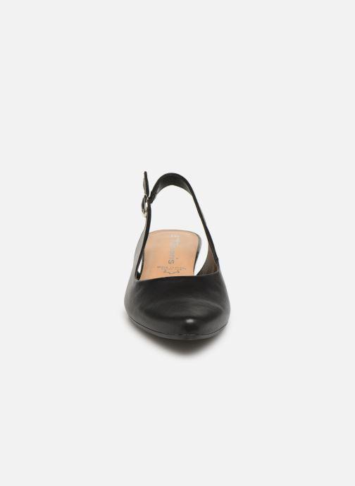 Sandali e scarpe aperte Tamaris 29400 Nero modello indossato