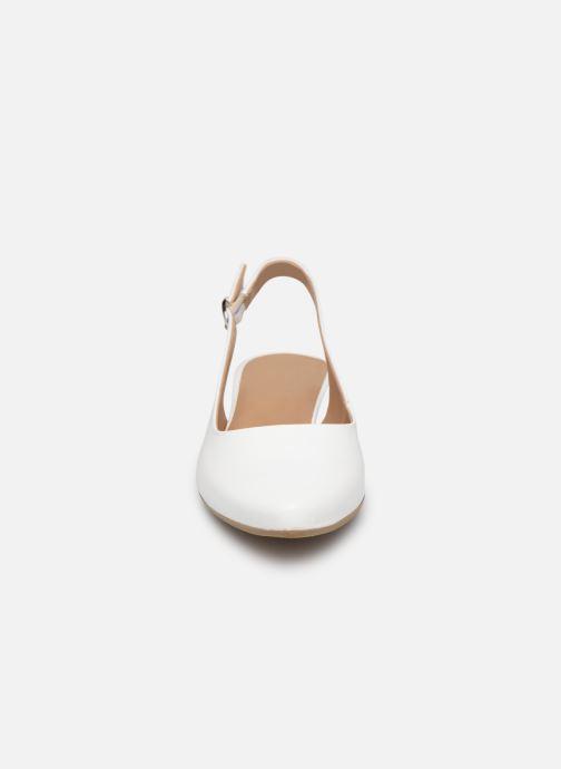 Sandali e scarpe aperte Tamaris 29400 Bianco modello indossato