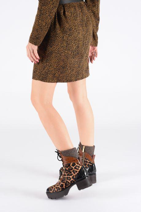 Bottines et boots Michael Michael Kors Khloe Lace up bootie Marron vue bas / vue portée sac