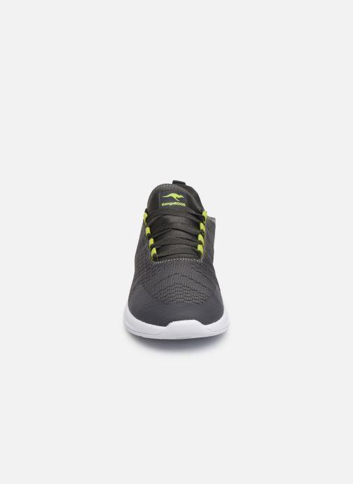 Baskets Kangaroos KF-A Forward C Gris vue portées chaussures