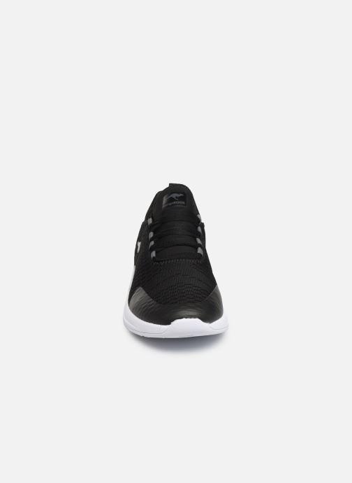 Baskets Kangaroos KF-A Forward C Noir vue portées chaussures