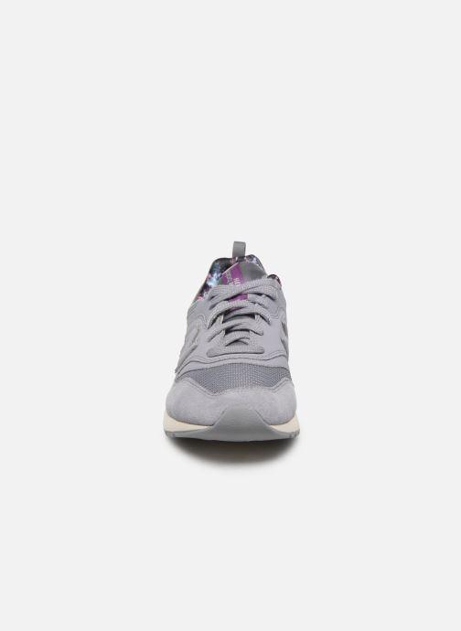 Baskets New Balance CW997 B Violet vue portées chaussures