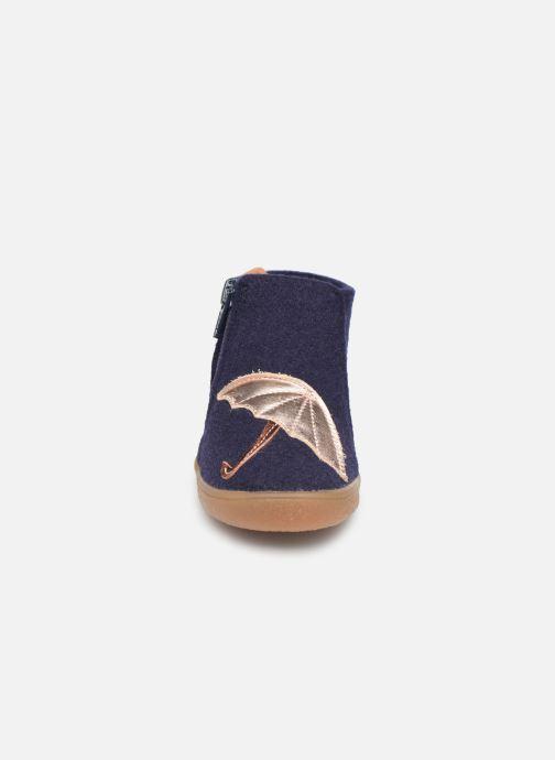 Chaussons Babybotte Marie Bleu vue portées chaussures