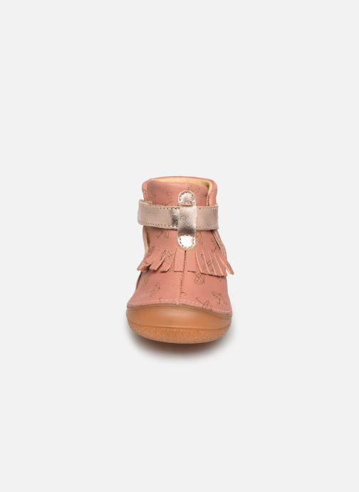 Chaussons Babybotte Zazy Rose vue portées chaussures