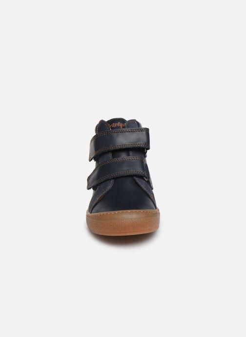 Baskets Babybotte Kiwy Bleu vue portées chaussures