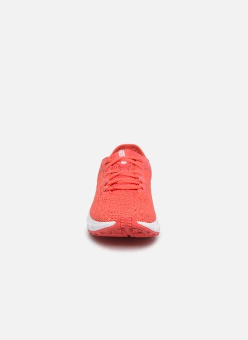 Chaussures de sport Under Armour UA W HOVR Sonic 2 Rose vue portées chaussures