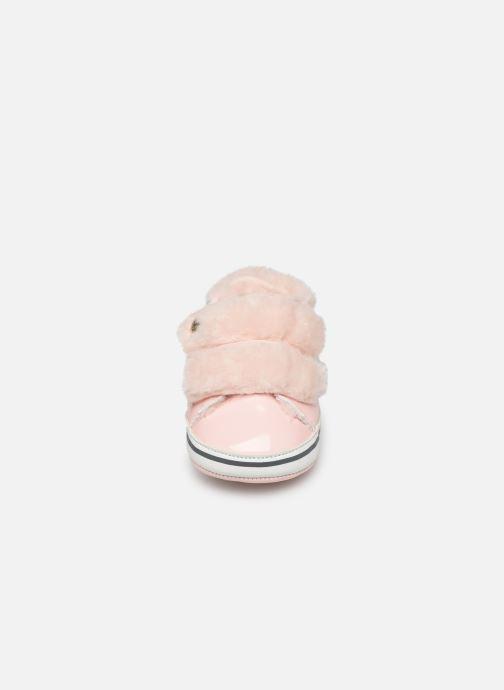 Chaussons IKKS JUNIOR  Basket Velcro XP89010 Rose vue portées chaussures