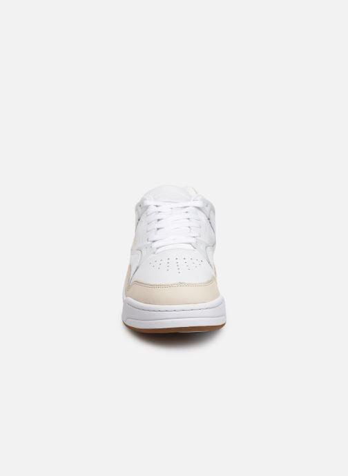 Baskets Lacoste Court Slam 319 1 SMA Blanc vue portées chaussures