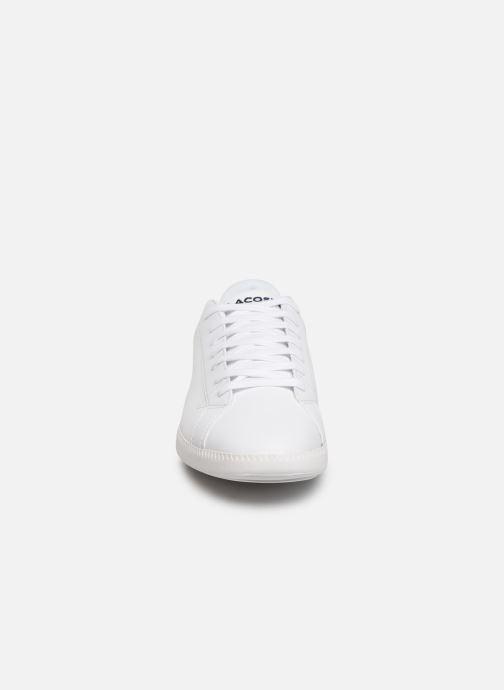 Baskets Lacoste Graduate BL 1 SMA Blanc vue portées chaussures