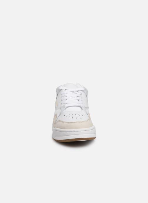 Baskets Lacoste Court Slam 319 1 SFA Blanc vue portées chaussures