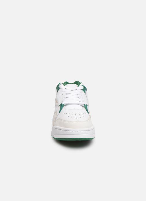 Sneaker Lacoste Court Slam 319 3 SFA weiß schuhe getragen