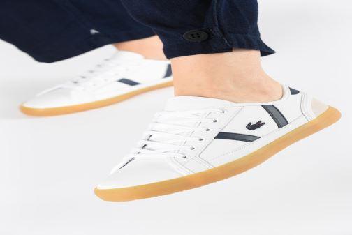 Sneaker Lacoste Sideline 319 1 CFA weiß ansicht von unten / tasche getragen