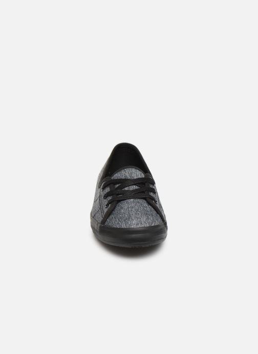 Baskets Lacoste Ziane Chunky 319 1 CFA Noir vue portées chaussures