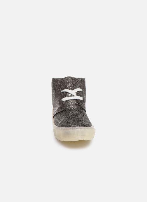 Sneakers PèPè Kent Argento modello indossato