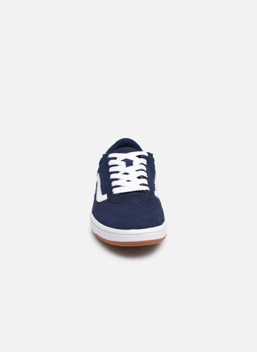 Baskets Vans Cruze CC Bleu vue portées chaussures