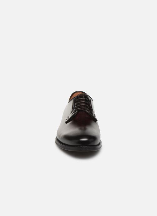 Scarpe con lacci Santoni Mars 15753 Bordò modello indossato