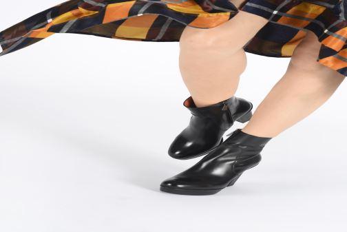 Bottines et boots Santoni Blair 56651 Noir vue bas / vue portée sac