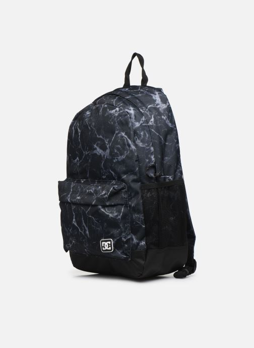 Mochilas DC Shoes BACKSIDER PRINT Negro vista del modelo