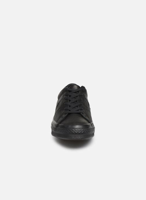 Baskets Converse One Star Leather Ox W Noir vue portées chaussures