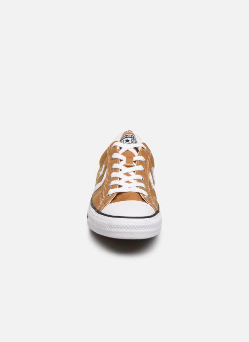 Sneaker Converse Star Player Canvas Ox gelb schuhe getragen