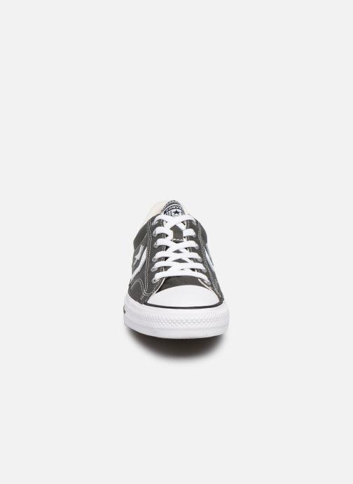 Baskets Converse Star Player Canvas Ox Gris vue portées chaussures