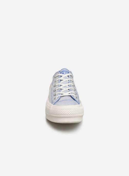 Baskets Converse Chuck Taylor All Star Lift Rainbow Ox Bleu vue portées chaussures