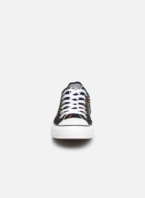 Baskets Converse Chuck Taylor All Star All Of The Stars Ox W Noir vue portées chaussures