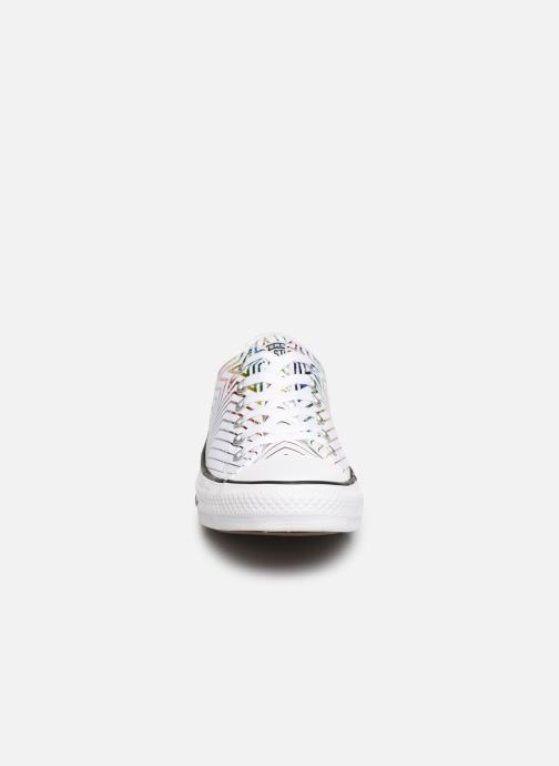 Baskets Converse Chuck Taylor All Star All Of The Stars Ox W Blanc vue portées chaussures