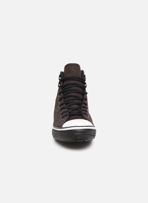 Baskets Converse Chuck Taylor All Star Winter Waterproof Hi Marron vue portées chaussures