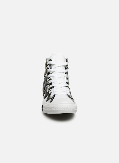 Baskets Converse Chuck Taylor All Star Mission-V Hi Blanc vue portées chaussures