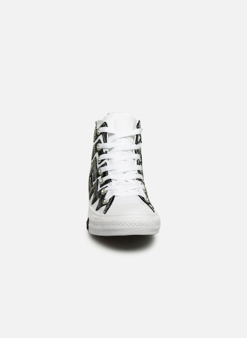 Baskets Converse Chuck Taylor All Star Mission-V Hi Blanc vue portées chaussures