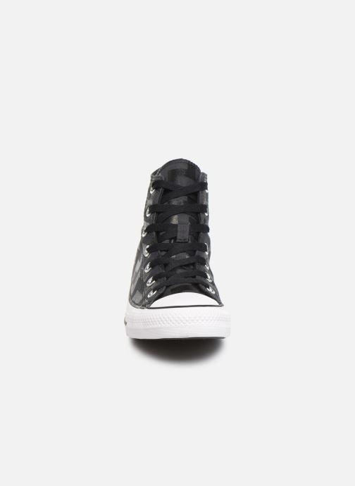 Sneakers Converse Chuck Taylor All Star Glam Dunk Hi Nero modello indossato