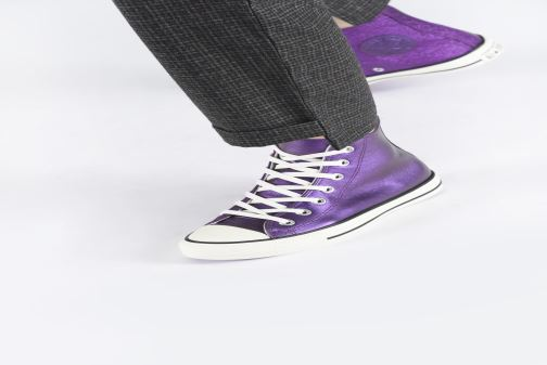Trainers Converse Chuck Taylor All Star Glitter Hi Purple view from underneath / model view