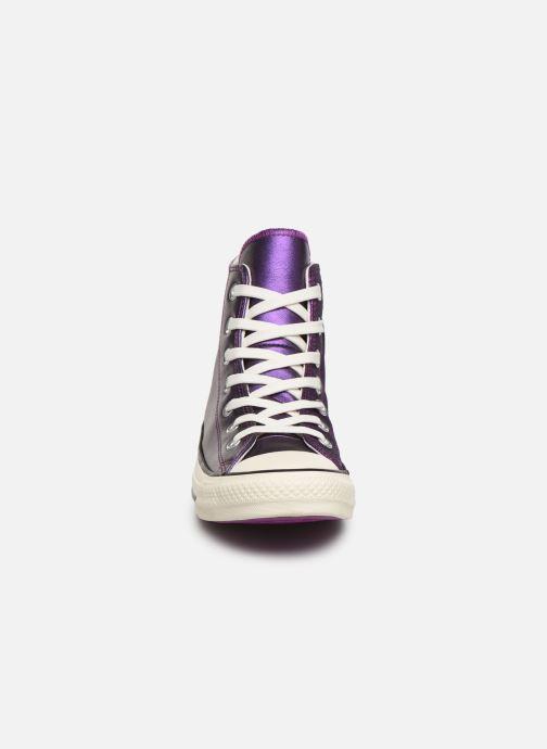 Baskets Converse Chuck Taylor All Star Glitter Hi Violet vue portées chaussures