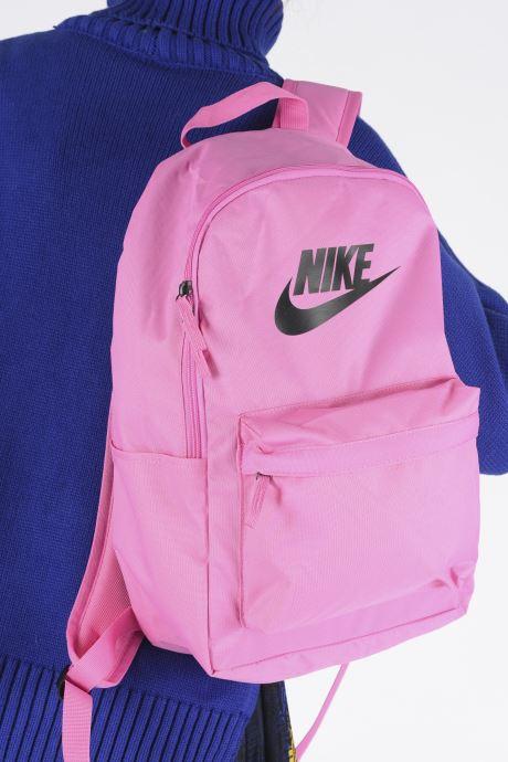 Rucksäcke Nike HERITAGE BKPK - 2.0 rosa ansicht von unten / tasche getragen