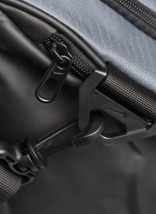 Bolsas de deporte Nike BRSLA M DUFF - 9.0 (60L) Gris vista lateral izquierda
