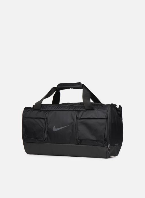 Sporttaschen Nike VPR POWER M DUFF schwarz schuhe getragen