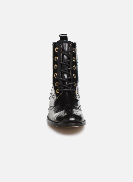 Bottines et boots Petite mendigote GABRIELLE Noir vue portées chaussures