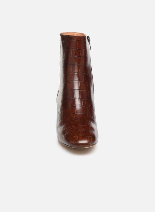 Bottines et boots Petite mendigote CLAUDETTE Marron vue portées chaussures