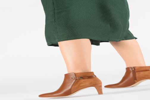 Bottines et boots Petite mendigote ARLETTE Marron vue bas / vue portée sac