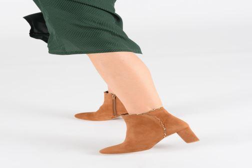 Bottines et boots Petite mendigote MAURICETTE Marron vue bas / vue portée sac