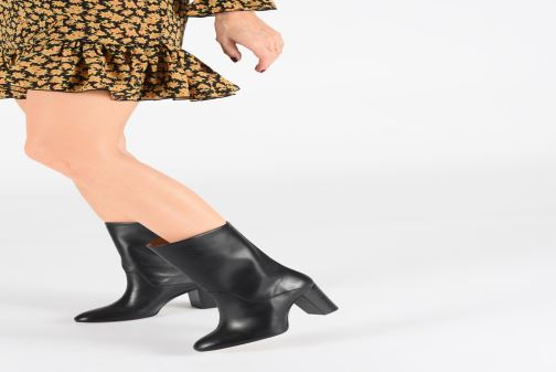 Ankle boots Petite mendigote ALMA Black view from underneath / model view