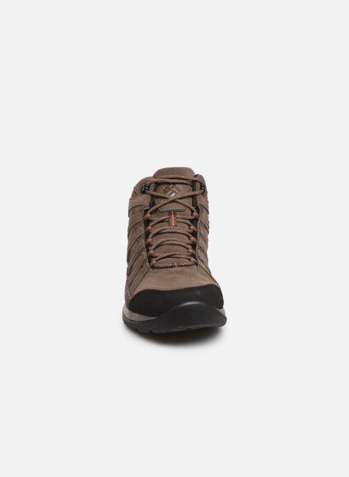 Chaussures de sport Columbia Redmond V2 Leather Mid Waterproof Beige vue portées chaussures