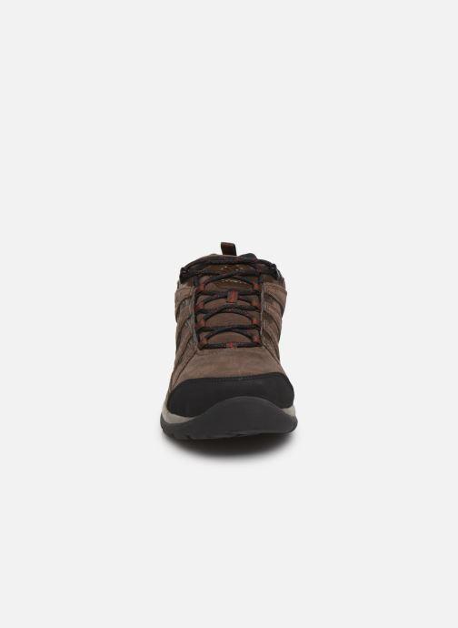 Chaussures de sport Columbia Redmond V2 Leather Waterproof Marron vue portées chaussures