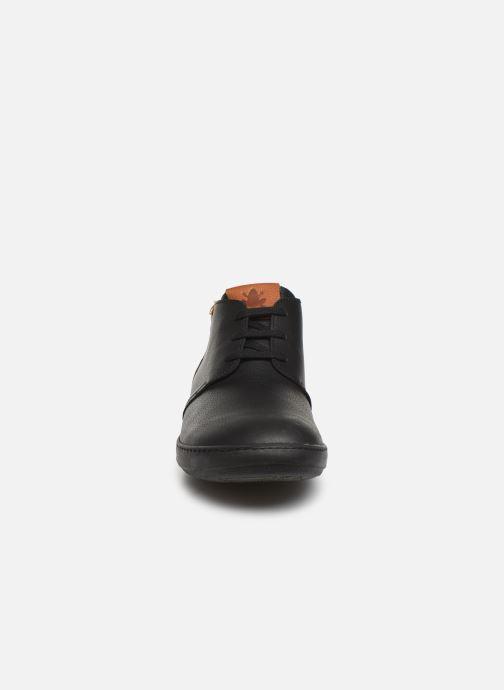 Snøresko El Naturalista Meteo NF98 C Sort se skoene på