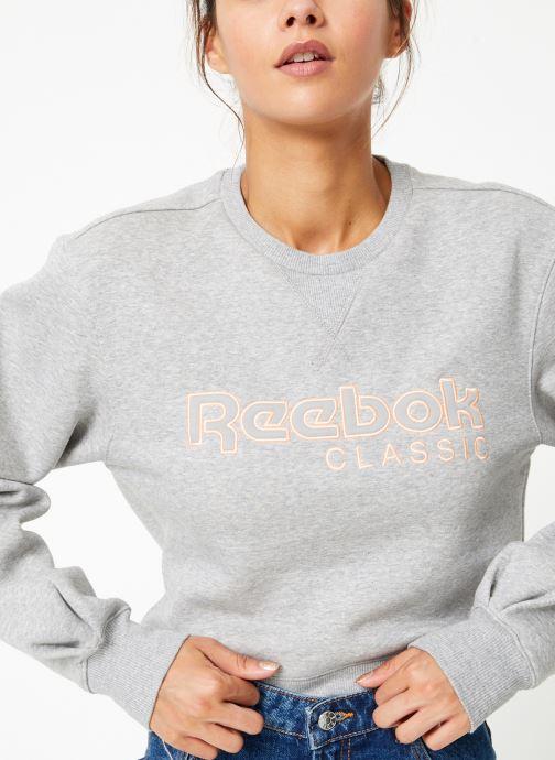 Vêtements Reebok Cl Fl Reebok Crew Gris vue détail/paire