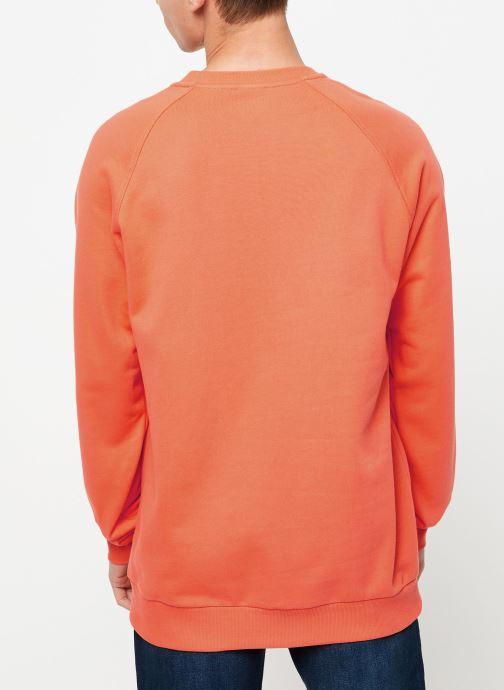 Vêtements Reebok Cl V Unisex Crew Orange vue portées chaussures