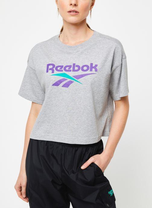Vêtements Reebok Cl V Crop Tee Gris vue détail/paire